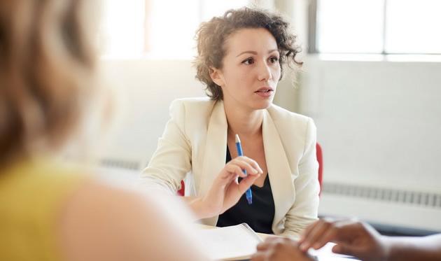 7 фрази што ќе направат да изгледате многу несамоуверено
